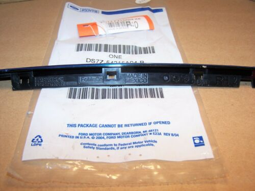 2013-2018 Fusion RH Front Door Glass Cap DS7Z-54215A04-B OEM New