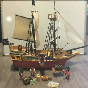 playmobil-4290-Grand-bateau-pirate-avec-accessoires
