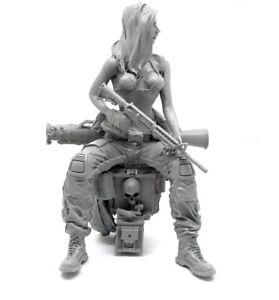 1-35-Resin-Female-US-Seals-Soldier-Lara-Unpainted-Unassembled-YF102