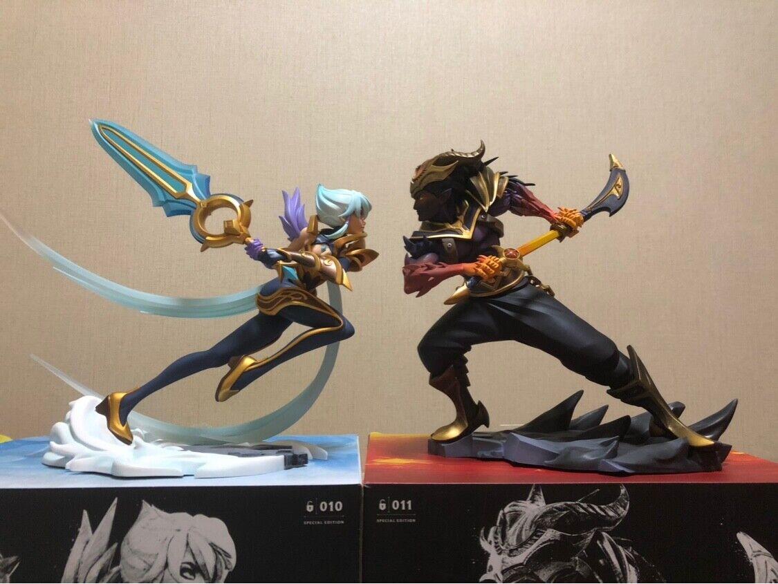Oficial de la Liga de Leyendas LOL Riven Yasuo Estatua Figura Modelo Juguete Coleccionable
