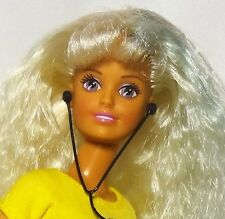 Hasbro 1996 Rollerblade Sindy Doll
