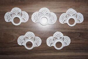 5-Serviettenringe-gehaekelt-Handarbeit-weiss-Spitze-Baumwolle-Set-3-Shabby-Chic