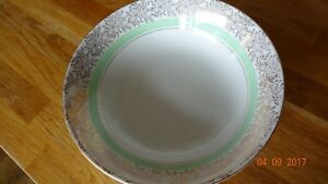 STAFFORDSHIRE-9-034-SERVING-DISH-BOWL-IVORY-WHITE-GREEN-AND-GOLD-GILDED