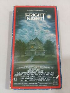 RARE-Vintage-1986-FRIGHT-NIGHT-VHS-Video-Horror-Vampire-Chris-Sarandon