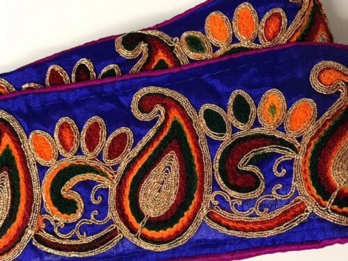 INDIAN BLUE SILK FABRIC WITH COLOURFUL /& GOLD PAISLEY THREAD LACE TRIM 1 METRE