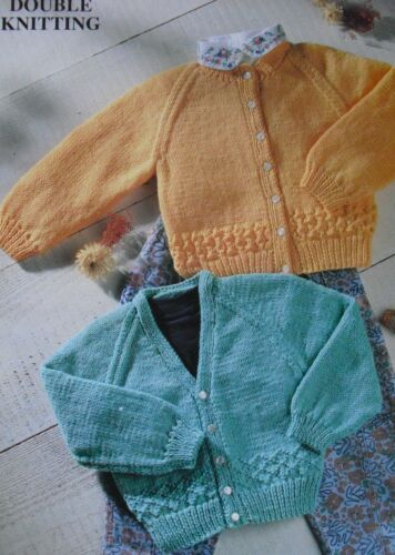 """1185 bébé fille dk 2in1 cardigans 16-22/"""" 41-56cm vintage knitting pattern"""