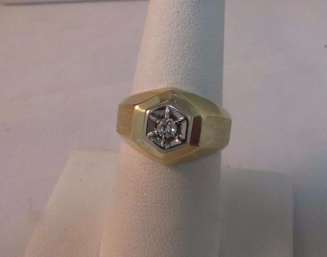 14K Solid Gold Solitaire Diamond Ring-Size 7. Uni… - image 2