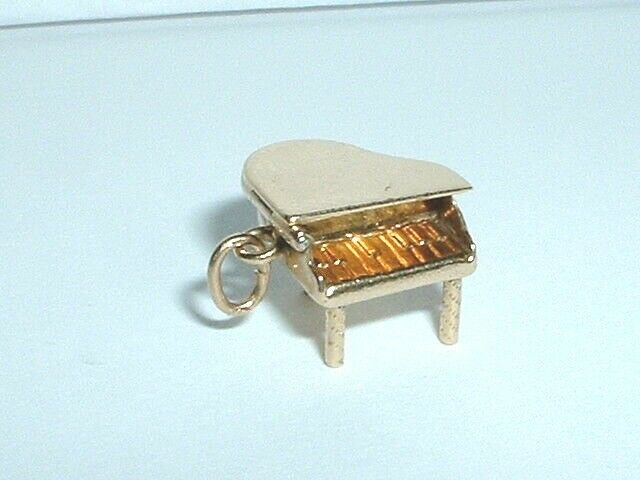 VINTAGE 14k YELLOW gold 3D GRAND PIANO CHARM PENDANT it opens up