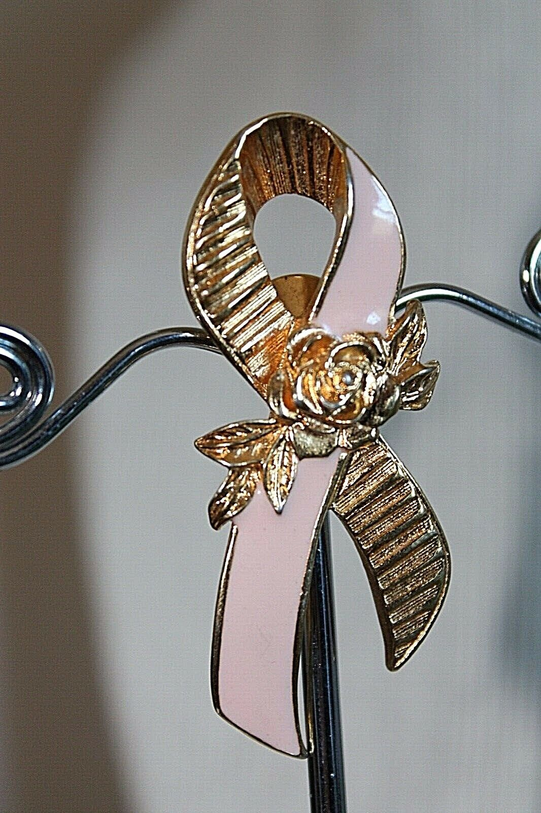 Vintage Signed AVON  Breast Cancer Awareness Pink Enamel  Bow Ribbon Pin Brooch Lapel  #2012