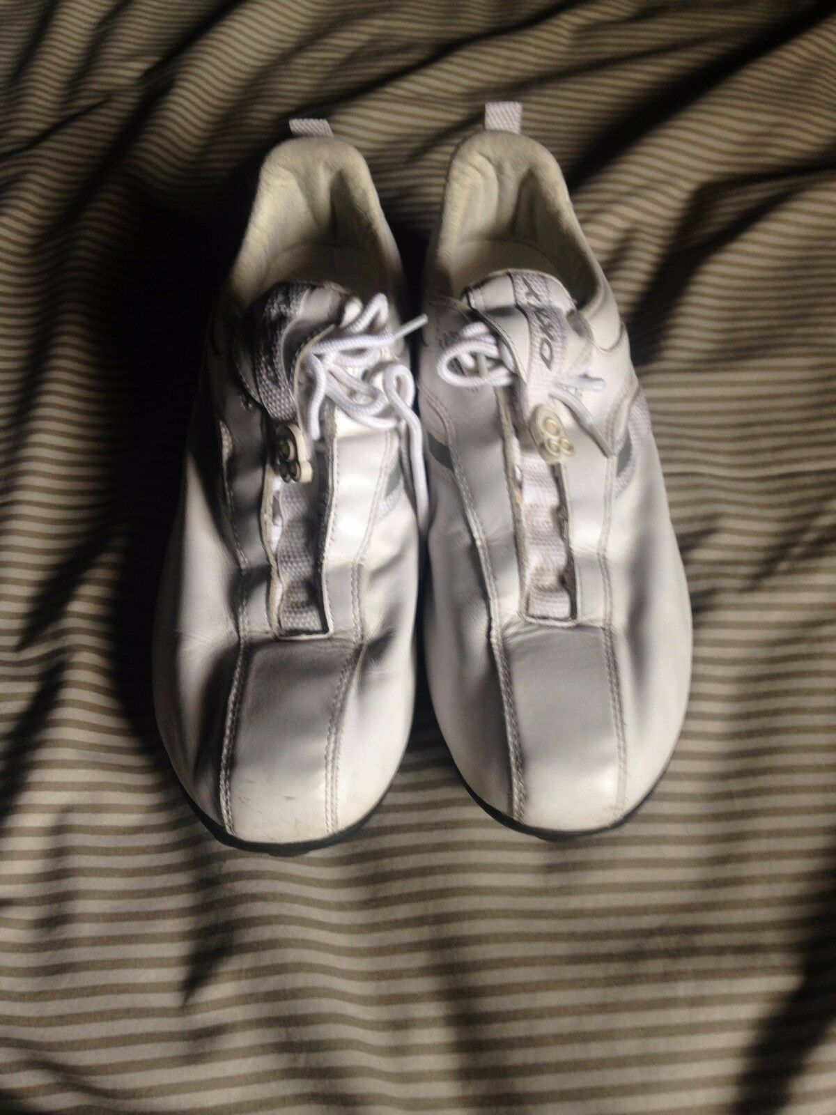 DKNY Leather White Fashion Sneakers Size 10