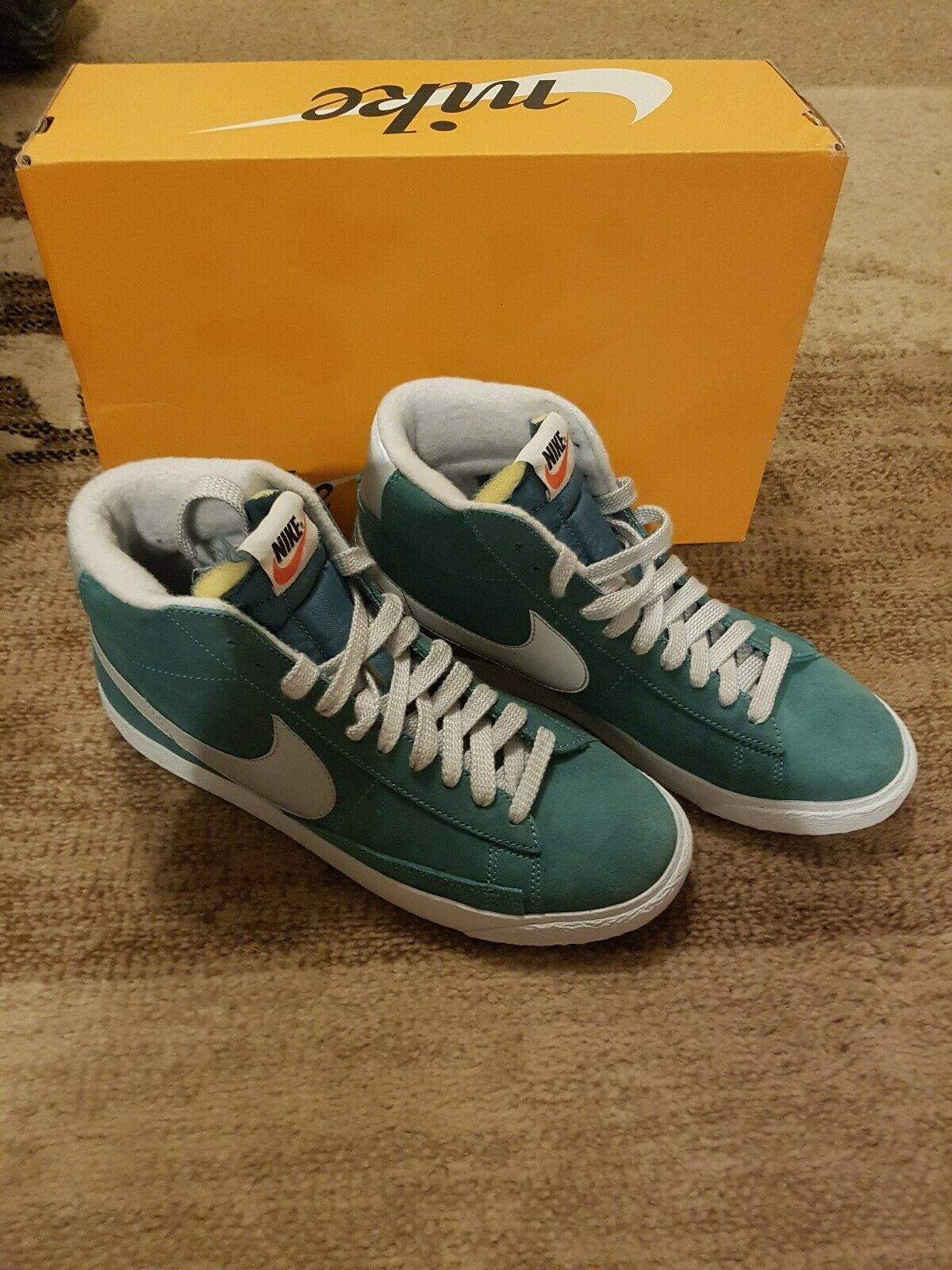 Nike Blazer Mid PRM VNTG Suede shoes - UK Size 8 - New