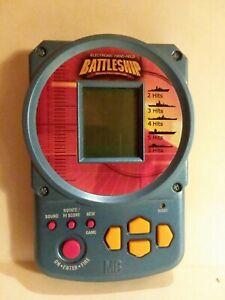 Hand-Held-Battleship-Electronic-Handheld-Game-2002-Milton-Bradley-WORKS