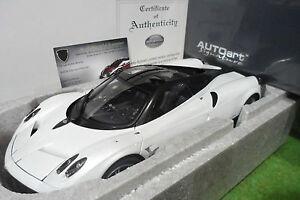 PAGANI-HUAYRA-blanc-white-au-1-18-AUTOart-SIGNATURE-78267-voiture-miniature