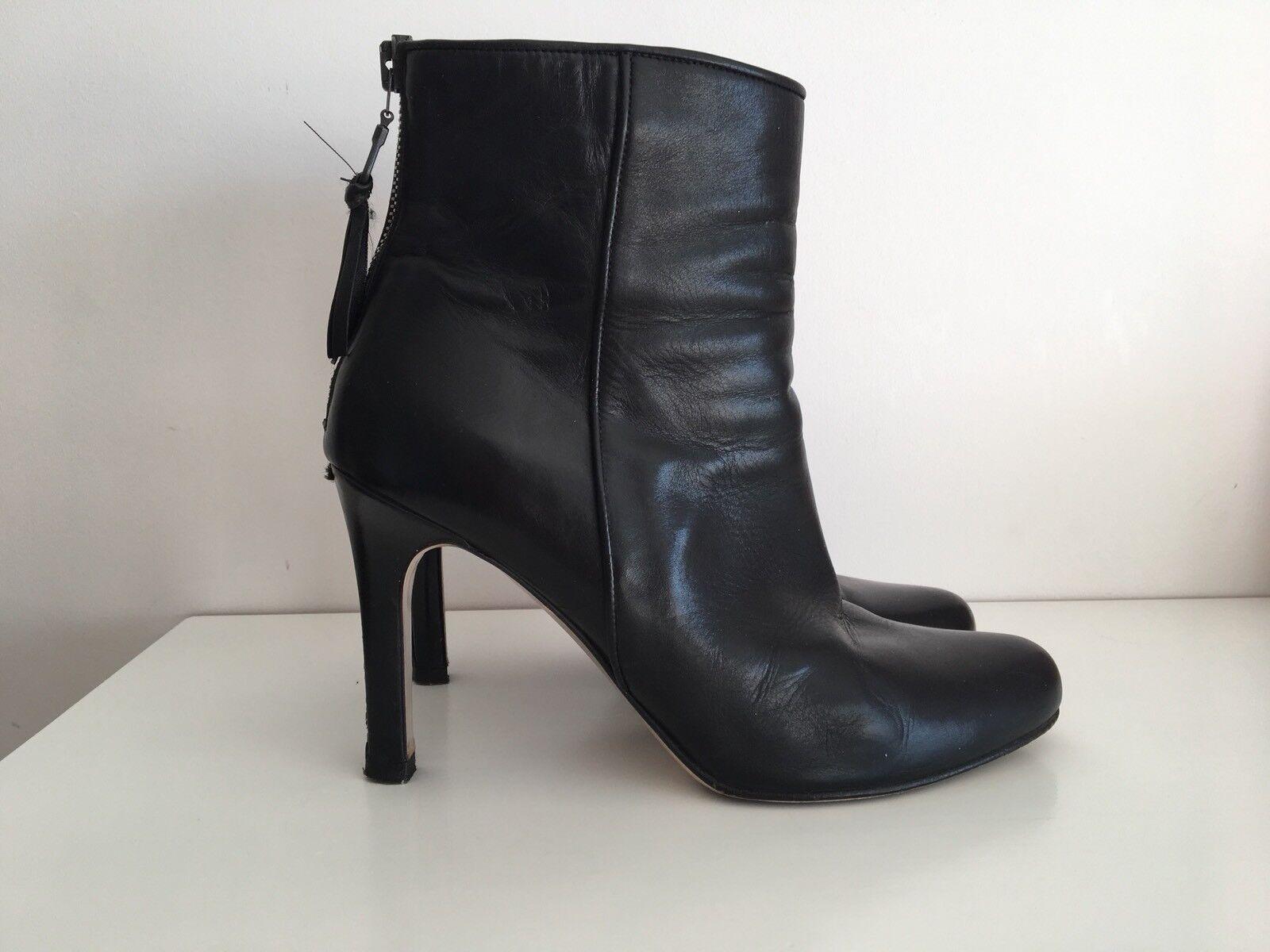 Grandes zapatos con descuento Miu Miu Black Ankle Boots 37.5