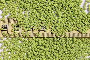 11-0-Old-Time-Vintage-Venetian-Opaque-Yellow-Green-3-Seed-Beads-1oz