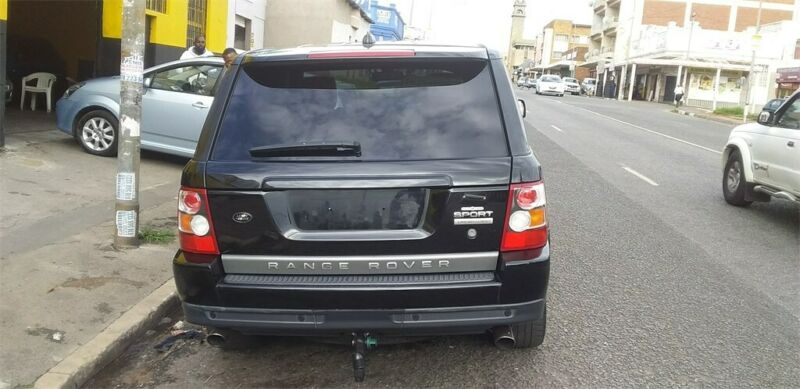 2007 Land Rover Range Rover Sport 5.0 V8 Supercharged, Black with 168000km available now!