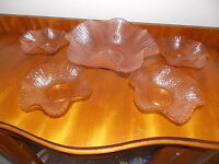 Antique Collectable Retro Vintage Art Glass Ruffle Serving Bowl & Matching bowls