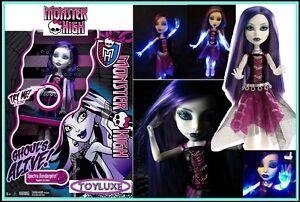 Monster-High-GHOULS-ALIVE-Spectra-Doll-I-GLOW-Lights-Up-amp-Make-GHOST-SOUNDS