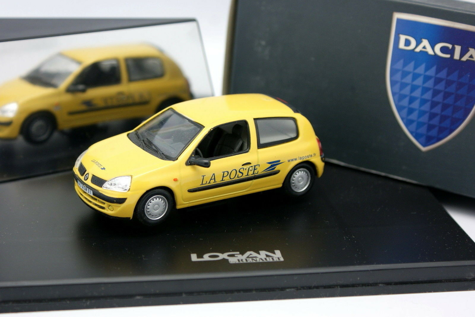 Norev 1 43 - Renault Clio The Position