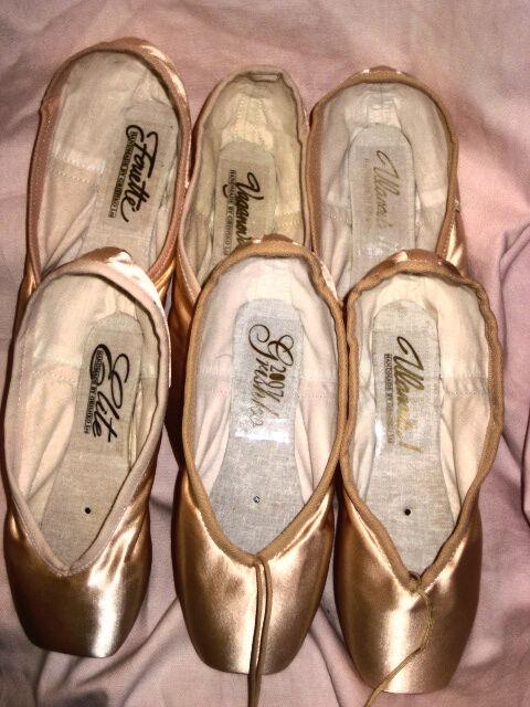 Grishko 2007 Medium Shank Ballet Pointe Shoes Sizes 4-7 Widths 4X /& 5X NIB