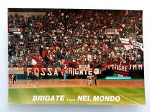 Foto ☠ Brigate Rossonere Nel Mondo ☠ Tokyo '90 ⚽️ Ultras ????⚫ Brn Les Couleurs Sont Frappantes