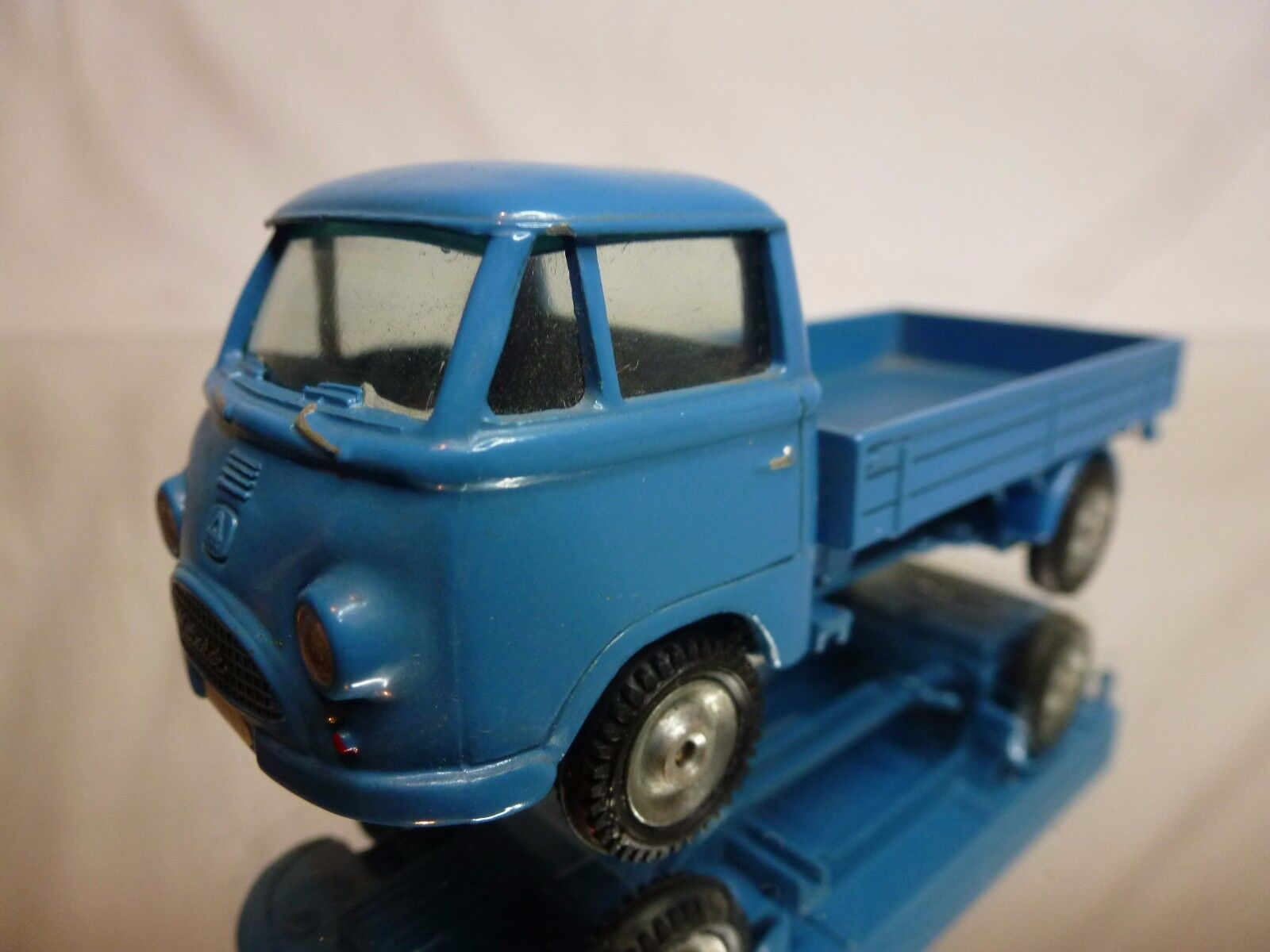 HANOMAG MATADOR TRUCK - Azul 1:50 RARE - GOOD CONDITION