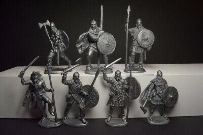 Set 1//32 plastic soldiers vikings 7 figures 54mm