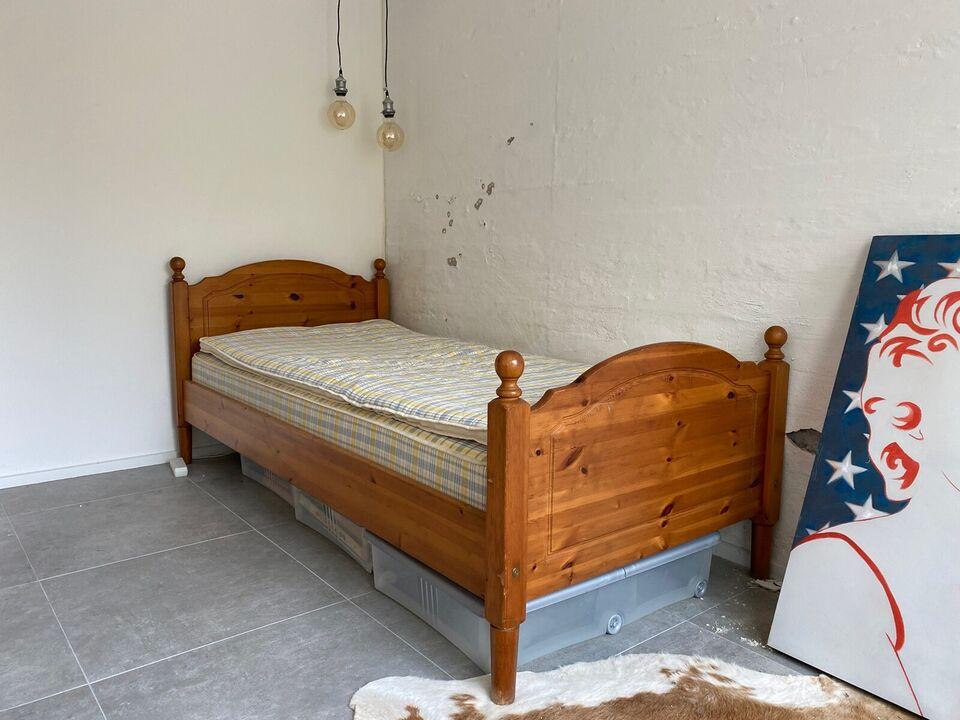 Enkeltseng, Ikea, b: 100 l: 210