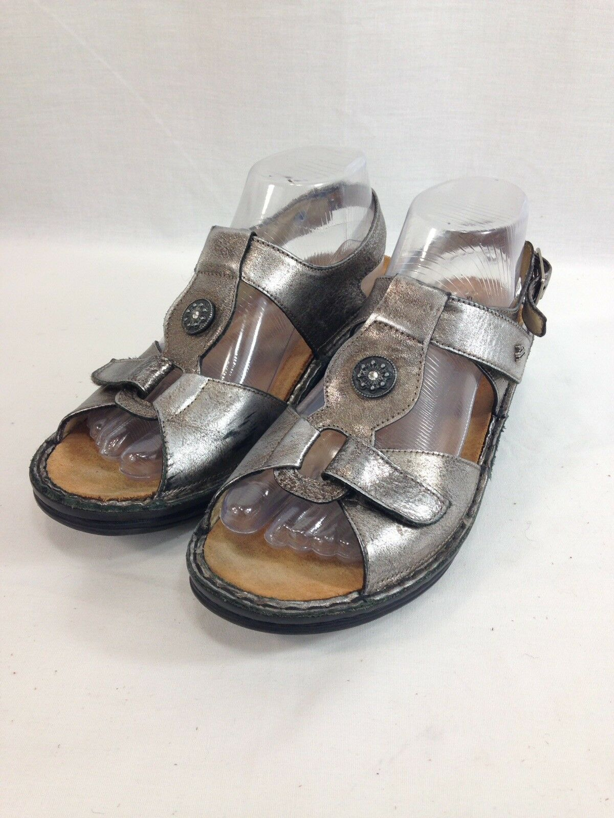 Finn Comfort Sandals chaussures femmes 7.5 D argent Adjustable Straps Germany