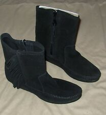 Minnetonka Moccasin Black Fringe Boots Wedge Suede Rubber Sole Women's Size 6