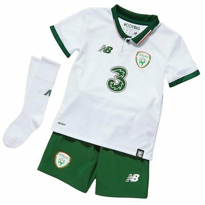 New Balance Irlanda Away Football Mini Kit-