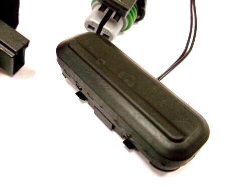 Genuine Vauxhall Meriva B Tailgate Boot Opening Switch 13422271
