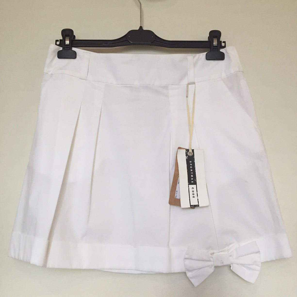 NWT designer SportMax white skirt with bow US 8 could fit 4-6 S MSRP