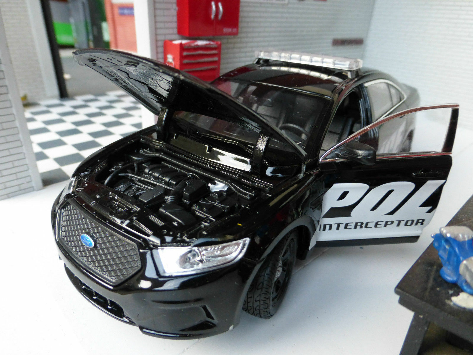 LGB G G G 1 24 Escala negro Ford Taurus Policía INTERCEPTOR DETALLADO Modelo Por 0ca4e0