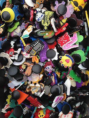 100 X Coccodrillo Misti, Cloggy Scarpa Distintivi, Charms, Abbellimenti Pulsante Foro-mostra Il Titolo Originale Prezzo Di Vendita