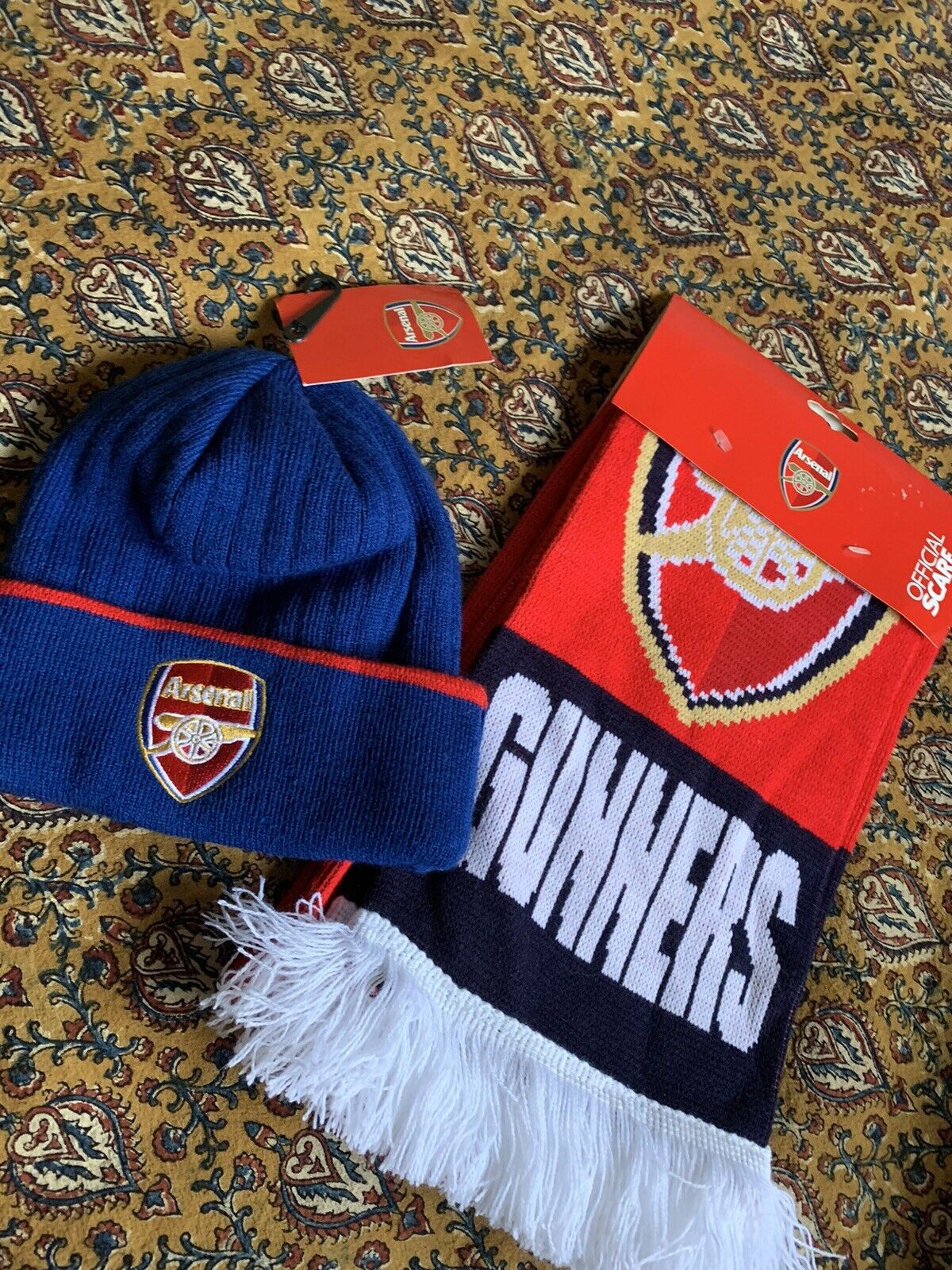 Arsenal beanie hat and scarf set
