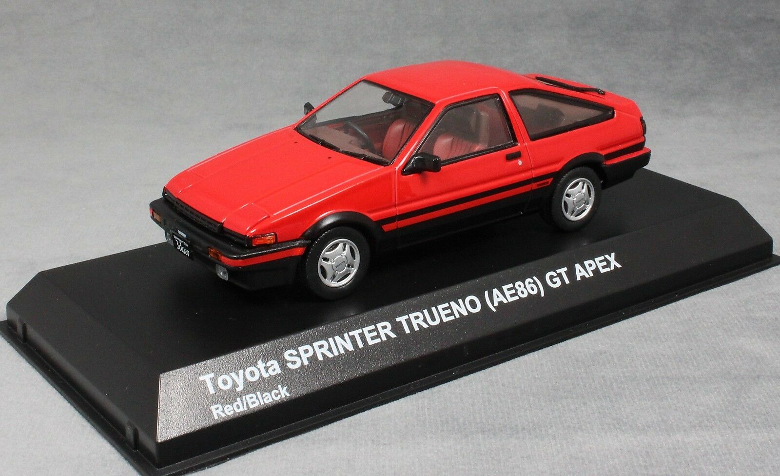 Kyosho Toyota Sprinter Trueno (Cgoldlla AE86) GT Apex  in Red 03891R 1 43 NEW