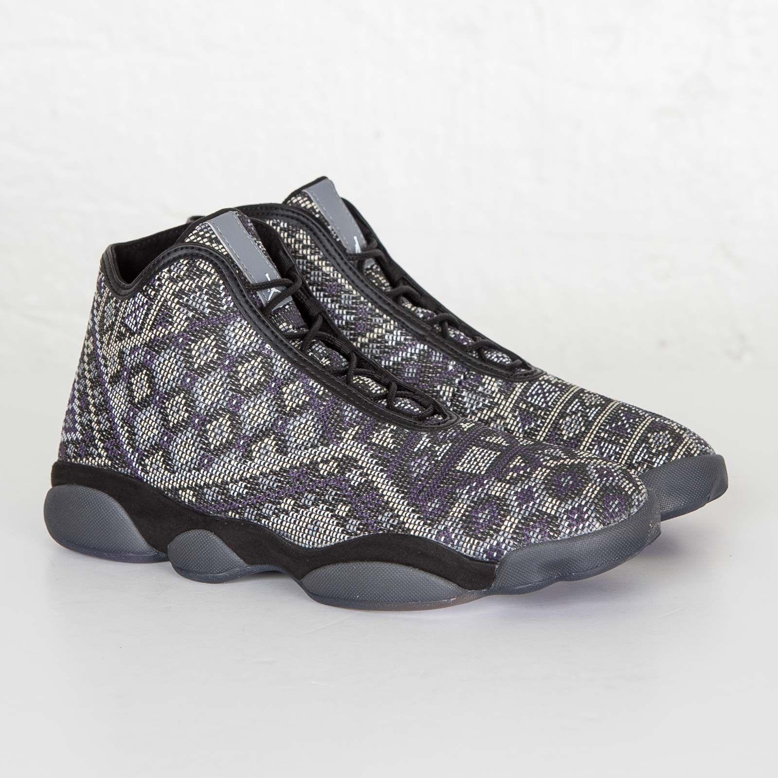 822333-022 Jordan Men Horizon Premium Black Light Charcoal Purple Steel