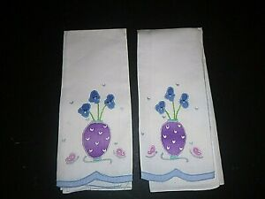 Vintage-Pair-Hand-Painted-Embroidered-Linen-Guest-Towels-Potted-Violets-Pansies
