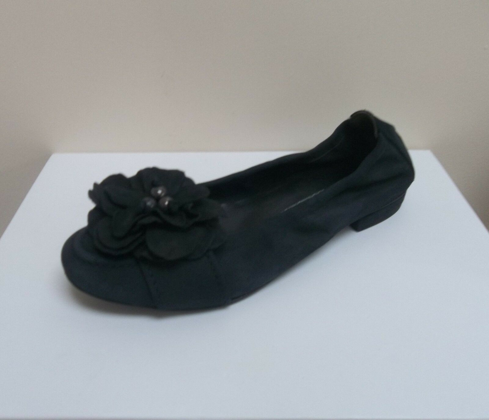 K&S Malu navy nubuck leather 4.5/EU flower detail flats, UK 4.5/EU leather 37.5,   BNWB 9a8c9b