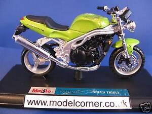 Maisto-Triumph-Speed-Triple-modellini-moto-scala-1-18-NUOVO-39342