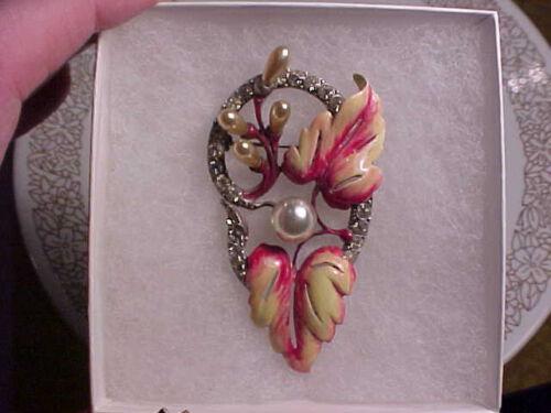 vintage staret enameled floral pin brooch. white m