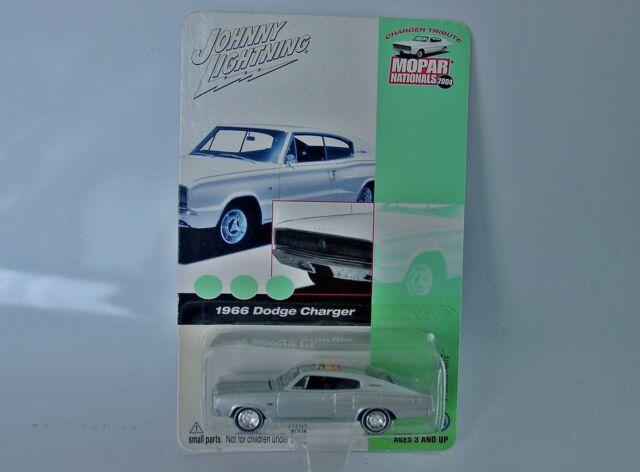 1:64 JL Johnny Lightning 1966 Dodge Charger 2004 Mopar Nationals