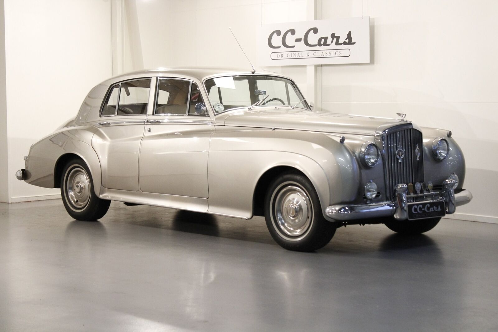 Bentley S1 4,9 Saloon aut. 4d