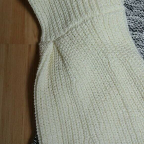 Dolan Textured Knit Bell Sleeve Sweater Sz S - image 5