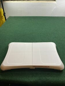 NINTENDO-WII-FIT-PLUS-BALANCE-BOARD-AND-GAME-BUNDLE-RVL-021