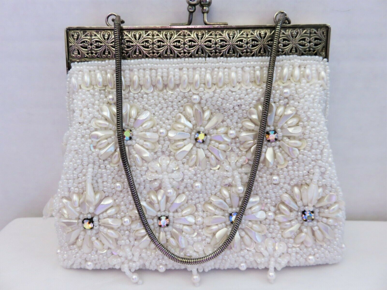 Wedding Kiss Clasp Hand Beaded 1950/'s Hand Made Purse Gold Tone Hardware Elegant White Glass Bead Evening Bag Clam Shell Shaped Prom