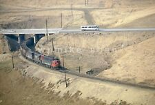 Southern Pacific F7 SP6440 empty Sugar Beet action on Altamont Pass 1971 view