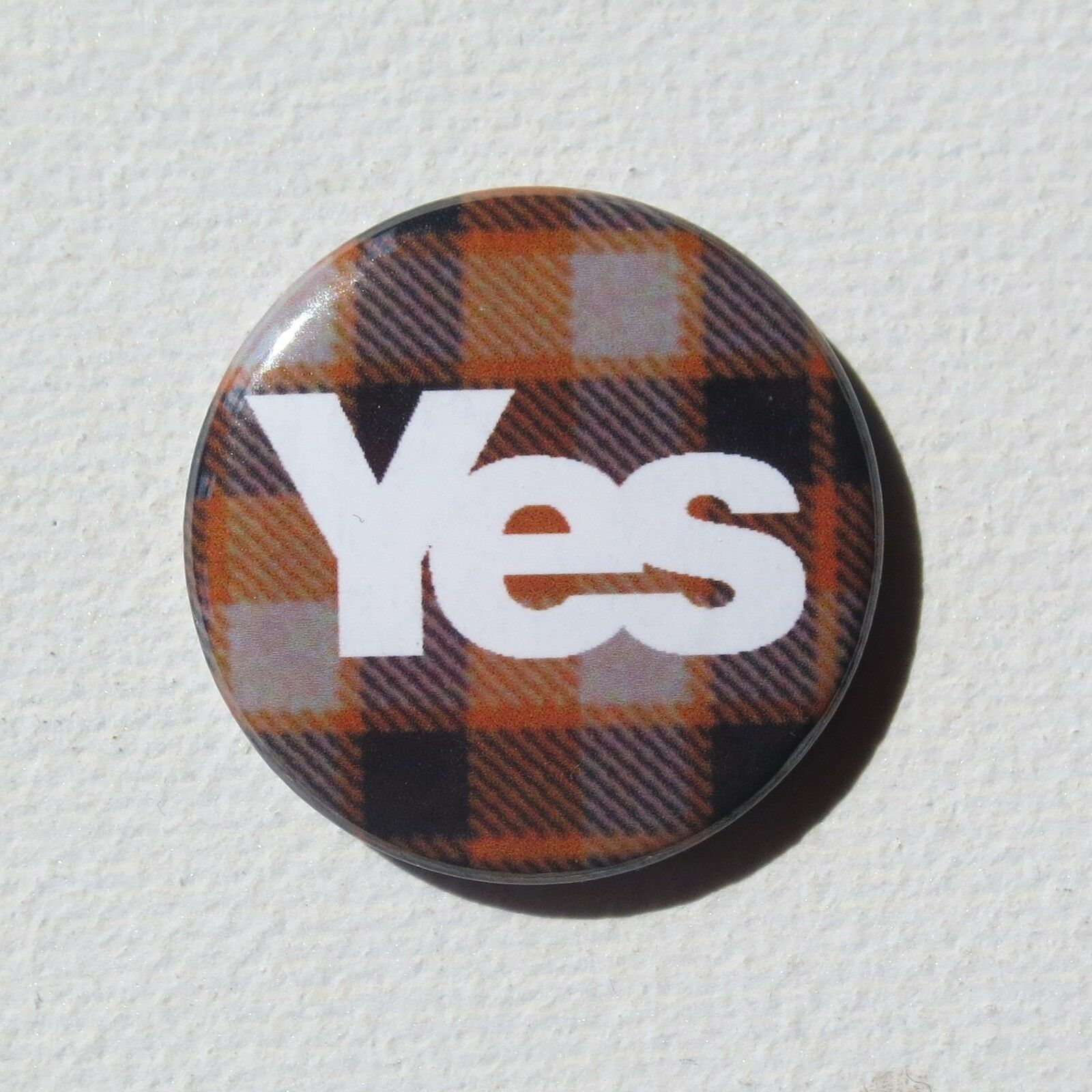 "SCOTTISH INDEPENDENCE REFERENDUM YES2 VOTE YES 25mm 1/"" Pin Badge SCOTLAND SNP"