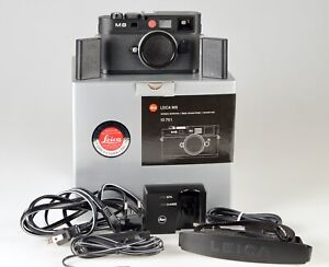 Leica-M-M8-10-3MP-Digital-Camera-Black-Body-Only